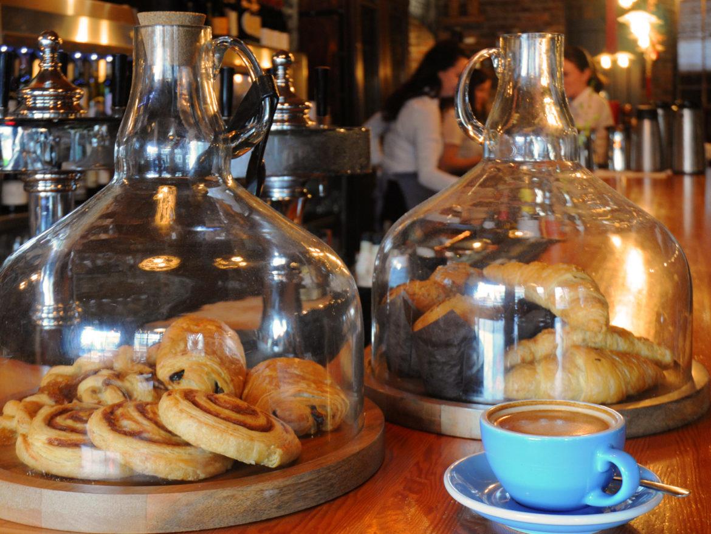 breakfast at Vis a Vis